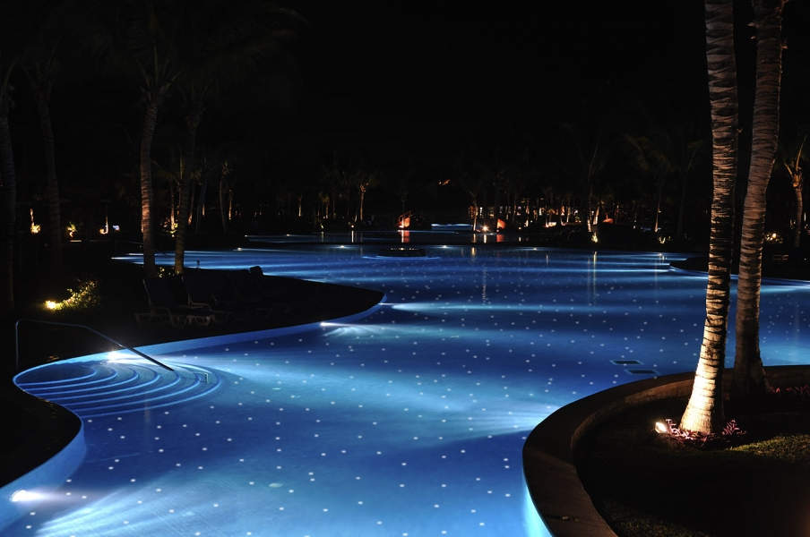 Glow in the dark tiles for architects - Glow in the dark swimming pool toys ...